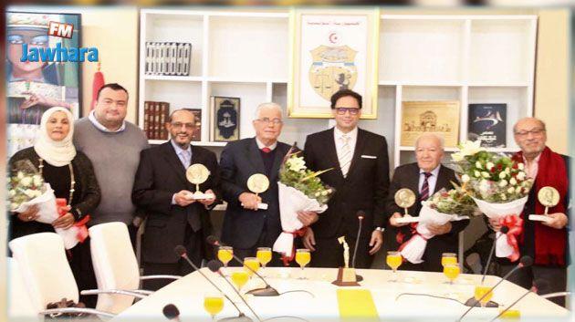 وزير الثقافة يكرّم مجموعة من الفنانين والمبدعين