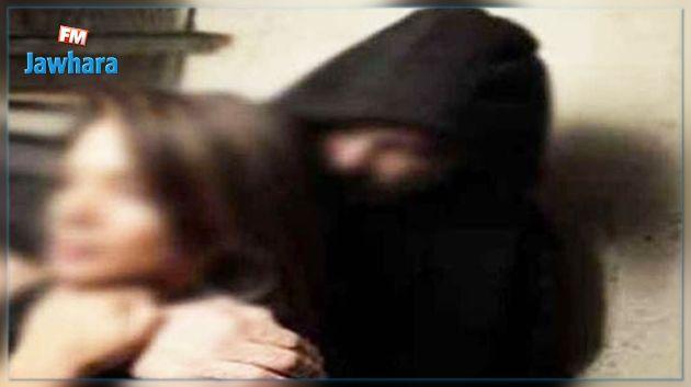 سوسة : قاصر تتهم 4 أشخاص بتحويل وجهتها واغتصابها
