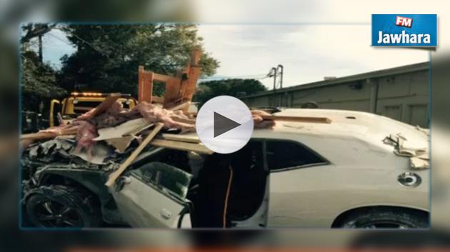 etats unis il crashe sa voiture dans un immeuble en essayant de voyager dans le temps. Black Bedroom Furniture Sets. Home Design Ideas