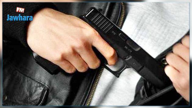 Armé, un homme maîtrisé au consulat de Tunisie — Toulouse