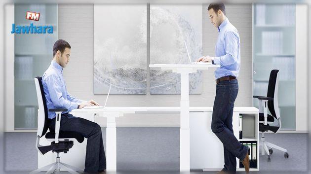 الجلوس أم الوقوف أثناء العمل.. الطب يحدد الطريقة الأقل ضررا