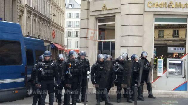 حركة السترات الصفراء تواصل احتجاجاتها في باريس