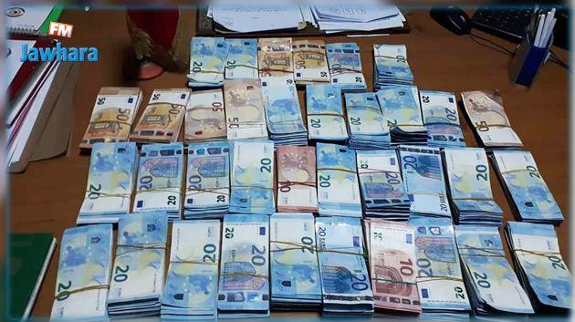 معبر الذهيبة : حجز 88 ألف أورو لدى مسافر ليبي الجنسية