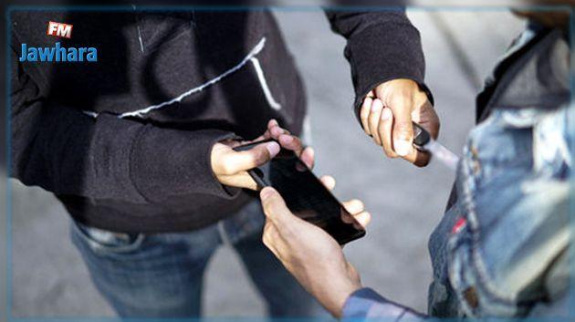 المنستير : يعترضان طريق طفل و يفتكان هاتفه بعد تعنيفه