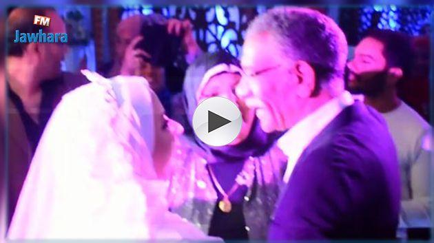 لأنه شبيه والدها المتوفي : ممثل مصري يلبي دعوة فتاة ويحضر زفافها