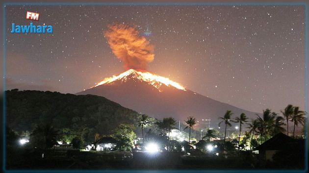 مشاهد مذهلة لحظة ثوران بركان بالي بأندونيسيا