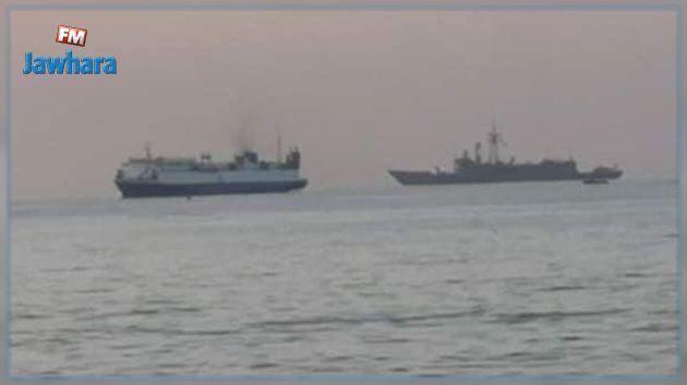 رصد وصول بارجيتين حربيتين تركيتين إلى ميناء طرابلس