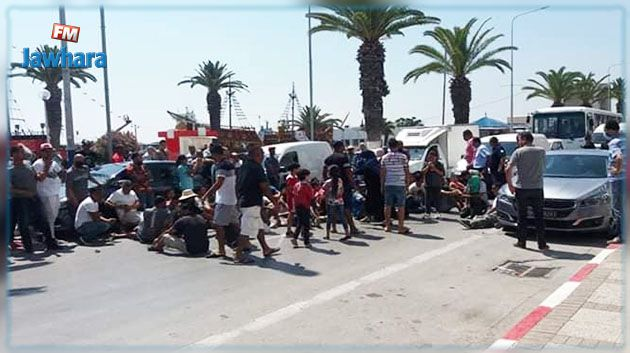 غلق الطريق أمام بلدية سوسة