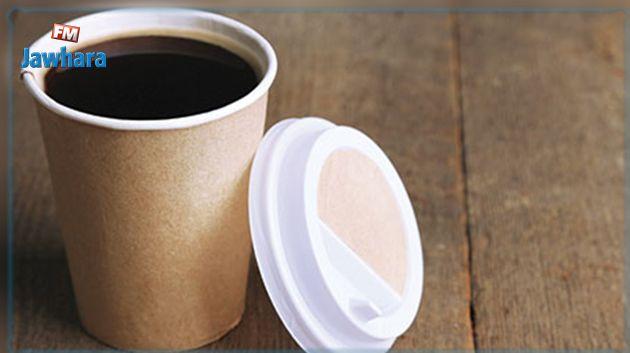 دراسة حديثة تحذر من خطر تناول المشروبات الساخنة في أكواب ورقية أو بلاستيكية