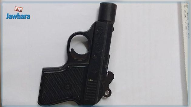 صفاقس : القبض على شخص بحوزته مسدس