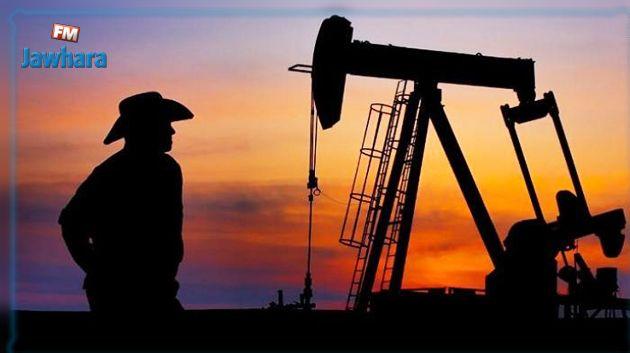 النفط يستقر قرب أعلى مستوى بالتزامن مع ترفيع وكالة الطاقة الدولية توقعات الطلب