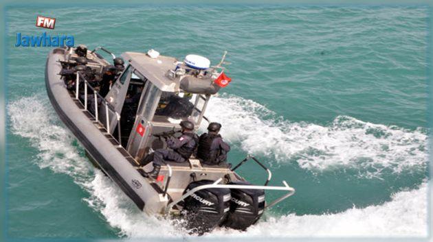 جيش البحر: انقاذ عدد من المهاجرين غير النّظاميين بسواحل صفاقس وجربة