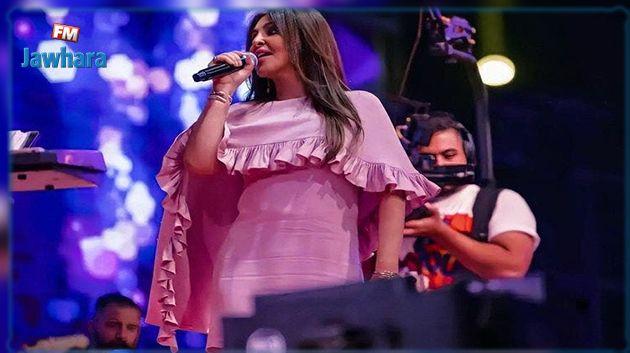 ما حقيقة إرتداء إليسا درعا واقيا في حفلها بالعراق؟  (صور)