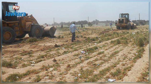اتهمهم رئيس بلدية شط مريم بالاستيلاء عليها: متسوّغون لأرض فلاحية يطلبون حق الردّ